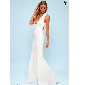 NWT Lulu's deep ver open back mermaid gown